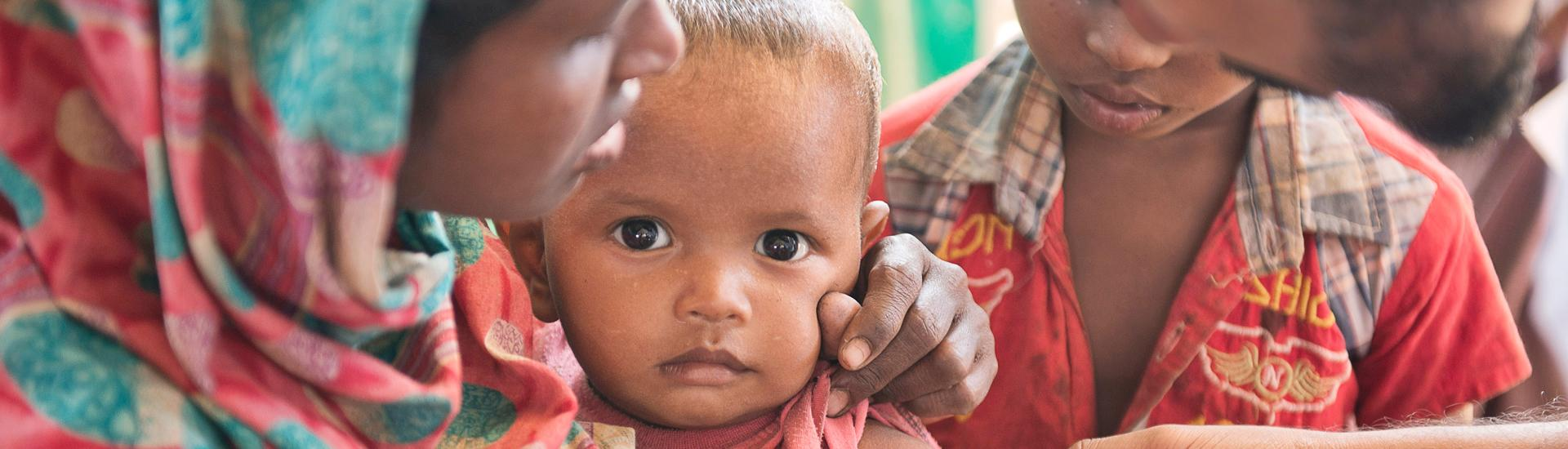 Bangladesh, Myanmar, Population, Movement, Kutupalong, Hakimpara, Balukhali, IFRC, BDRCS, PSS, Shelter, Food, distribution, Red Cross, water, Japan, health, clinic, malnutrition, children, baby